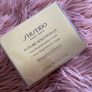 Shiseido Future Solution LX Regenerating Cream